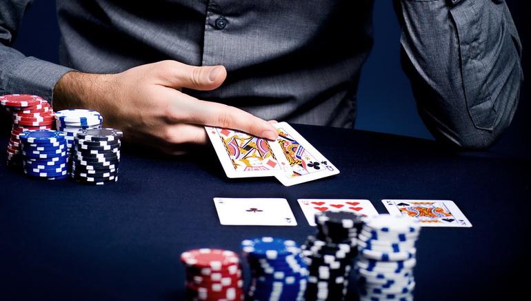 George Stephanopoulosin pokeritaidot GMA:ssa